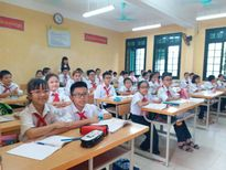 Hà Nội: Nhiều học sinh bị dị ứng sau khi trường phun thuốc diệt muỗi