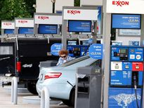 Shell và ExxonMobil bị chỉ trích vì quảng cáo sai lệch