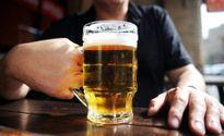 Cụ ông 70 bị người tình ép uống bia có thuốc độc