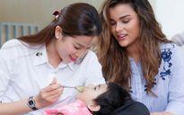 Phạm Hương và Nữ hoàng sắc đẹp Mỹ La Tinh giản dị đi từ thiện ở Củ Chi