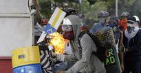 Mỹ dọa dùng vũ lực và trừng phạt Venezuela, Nga 'nổi đóa'