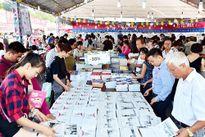 Triển lãm – Hội chợ sách quốc tế Việt Nam sự kiện hấp dẫn cho những 'tín đồ' mê sách
