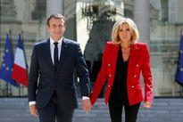 Tổng thống Macron có 'lỗi' gì với phu nhân?