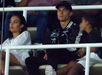 Ronaldo cùng bạn gái xem Real đánh bại Barca từ khán đài