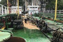 Quảng Ninh: Hơn 200 lít dầu tràn ra vịnh Hạ Long