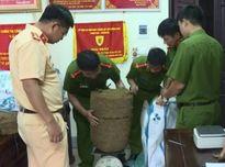 Bắt giữ hơn 1 tạ ma túy vận chuyển từ Lào về Việt Nam
