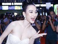 Angela Phương Trinh khiến hàng trăm ánh mắt không thể rời khỏi khi dự ra mắt phim