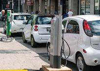 Xe điện thách thức tương lai ngành dầu mỏ