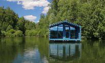 Nhà cabin nổi trên mặt nước vô cùng ấn tượng