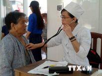 Hội thầy thuốc Campuchia gốc Việt chăm lo sức khỏe cộng đồng