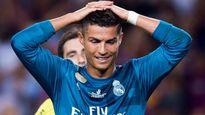 """Ronaldo bị """"thầy đồng"""" phán có... """"quỷ ám"""""""