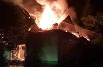 Hà Tĩnh: Bà hỏa thiêu rụi quán karaoke trong đêm