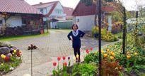 Dành tới 500m² đất để cải tạo, mẹ Hà thành ở Đức có khu vườn đẹp như công viên