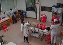 Giám đốc doanh nghiệp hành hung bác sĩ vì chậm cấp cứu cho nhân viên