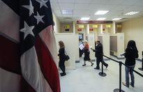 """Mỹ """"dội"""" trả đũa đầu tiên với Nga sau vụ trục xuất nhân viên ngoại giao"""