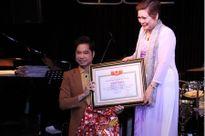 Ca sĩ Ngọc Sơn được trao 'Giáo sư âm nhạc': Các chuyên gia nói gì?
