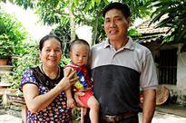 Đôi vợ chồng Bắc Giang sinh con ở tuổi 60