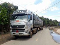 Thiếu nữ bị xe container cán chết trên đường đi học