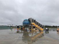 Huỷ, lùi nhiều chuyến bay vì bão số 6