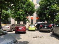 Hà Nội: Nhốn nháo bãi đỗ xe tự phát tại các toà nhà chung cư