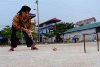 Xem cụ già Việt Nam chơi thể thao quý tộc