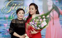 Thoát khỏi 'bóng tối hôn nhân', NSƯT Tố Nga hồi sinh với album 'Giếng quê'