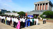 Lễ báo công dâng Bác nhân Ngày truyền thống ngành Thông tin và Truyền thông