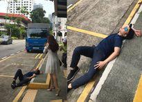 Quách Tuấn Du 'quằn quại' trên đường phố Singapore kêu gọi bảo vệ môi trường