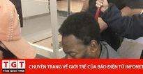 Xót xa hình ảnh 'Vua bóng đá' Pelé ký tặng fan mặc dù vẫn đang ngồi xe lăn