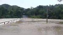 Nước các sông dâng cao, nhiều khu vực ở Thanh Hóa bị chia cắt