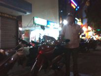 Chuyện khó tin ở Đà Nẵng: Bác bảo vệ tự nguyện đưa xe cho người lạ đi mua thuốc