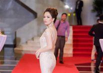Đan Lê trở thành 'Nữ hoàng thảm đỏ' showbiz Việt tuần qua