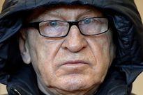 Siêu điệp viên '9 ngón' của Đức ra tòa vì trốn thuế