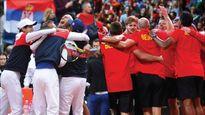 TENNIS 18/9: Chức vô địch US Open của Nadal bị... chú ruột chê. Sharapova từng mặc lại quần áo của Kournikova