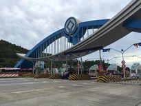 Hàng trăm người dân kéo đến trạm BOT Đại Yên phản đối mức phí