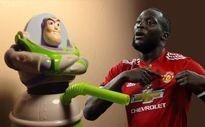 Đến bao giờ Old Trafford mới thôi nháo nhào vì 'cái ấy' của Lukaku?