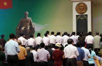 Đúc bảo tượng Chủ tịch Hồ Chí Minh