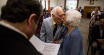 Cô dâu 99 tuổi kể về đám cưới và đêm chung giường đầu tiên với cụ ông 94 tuổi