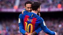 THỐNG KÊ: Ở Barca, Messi đã nhường Neymar 11 lần đá penalty