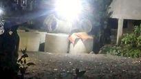 Bàng hoàng phát hiện thi thể bé trai cạnh cống bê tông