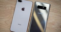 iPhone 8 Plus đọ dáng với Galaxy Note 8