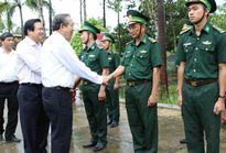 Phó Thủ tướng kiểm tra công tác phòng, chống buôn lậu tại Long An