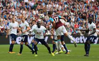 'Vua vòng cấm' Chicharito vẫn không cứu nổi West Ham