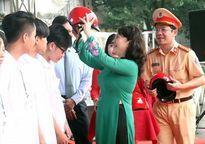 Bộ Giáo dục Đào tạo kêu gọi học sinh, sinh viên thực hiện 'văn hóa giao thông'