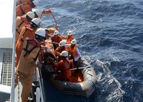 Ba ngư dân bị ngạt khí gas trên biển