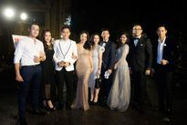 Á hậu Dương Tú Anh đẹp lộng lẫy với áo dài dát vàng đấu giá 15.000 USD