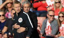 Mourinho thấp thỏm đợi án phạt từ FA