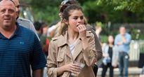 Selena Gomez tươi vui dạo phố sau phẫu thuật ghép thận