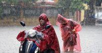 Áp thấp nhiệt đới đổ bộ đất liền, Hà Nội mưa lớn giờ tan tầm, nguy cơ ngập nhiều phố