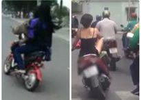 'Dựng tóc gáy' với màn 'trình diễn' đánh võng của hai thiếu nữ chạy xe đạp điện